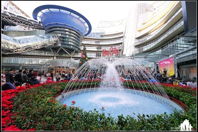 新竹【Big City遠東巨城購物中心】來吃幸福下午茶~看華麗聖誕樹!