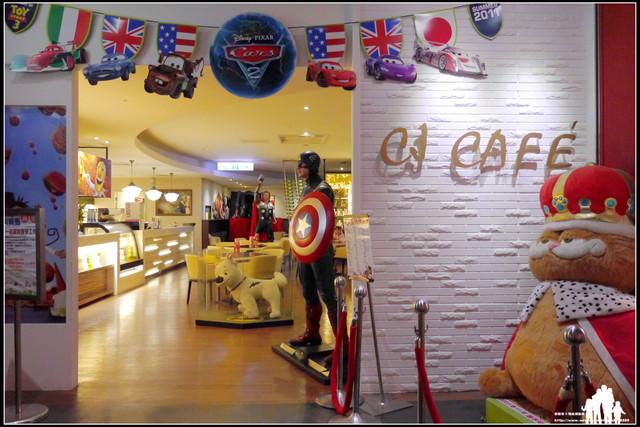 台茂購物中心7F【CJ Café】美國隊長、雷神索爾、鋼鐵人~陪你一起用餐!(內有海綿寶寶大型裝置藝術)